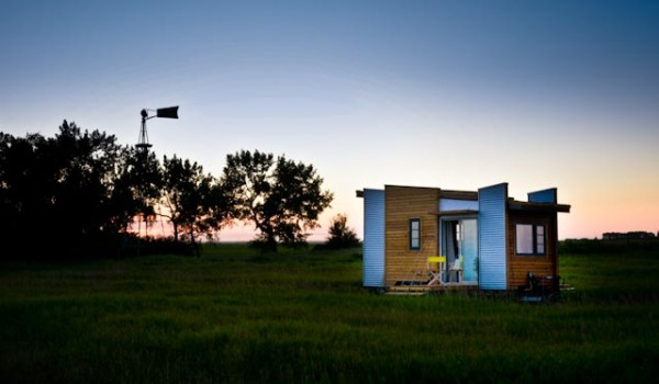 TINY HOUSE PLANS – CONTEMPORARY DRAGONFLY-20 – EXTERIOR AT SUNSET 3