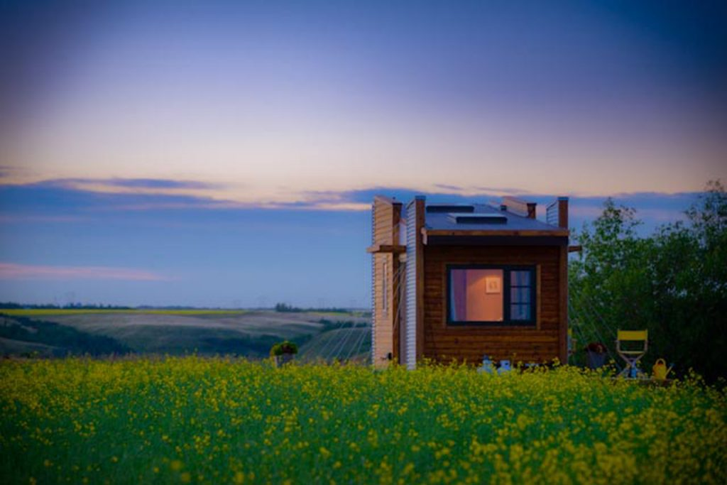 TINY HOUSE PLANS - CONTEMPORARY DRAGONFLY-20 - EXTERIOR AT SUNSET